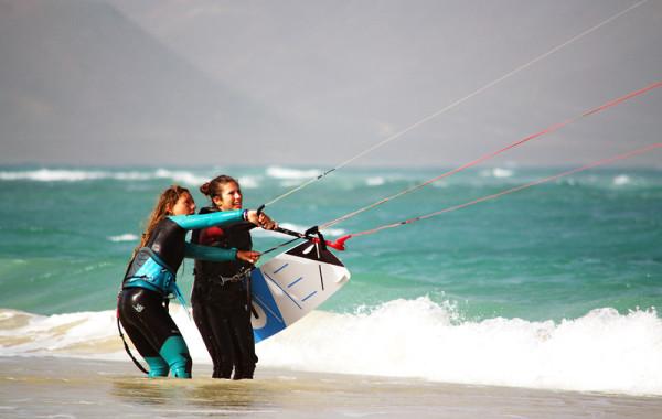 Apprendre à maîtriser une voile de kite surf