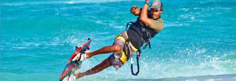 Progresser en kitesurf: découvrez nos stages !